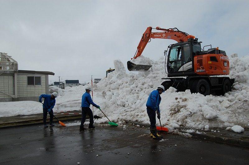新学期に向けグラウンド排雪完了!/美唄尚栄高校様にて【雪割り・排雪】